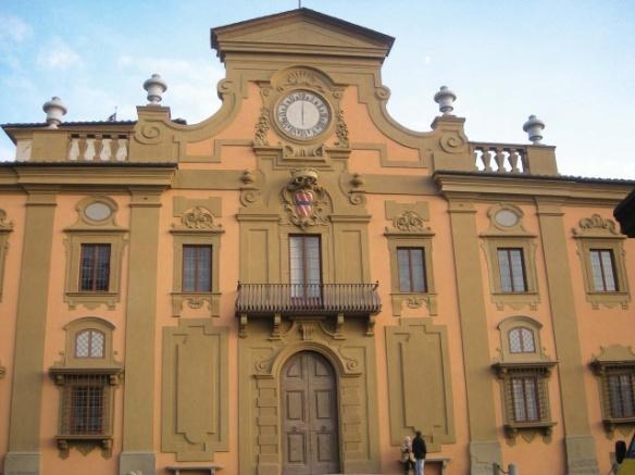 La facciata della villa - foto http://www.piccoligrandimusei.it/blog/portfolio_page/villa-corsini-a-castello/